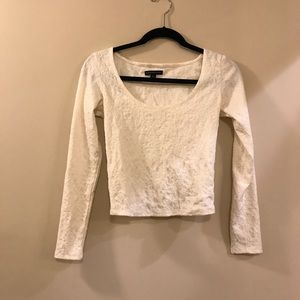 S American Eagle cropped lace long sleeve